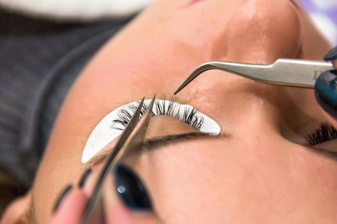 Professional Eyelashes Extensions