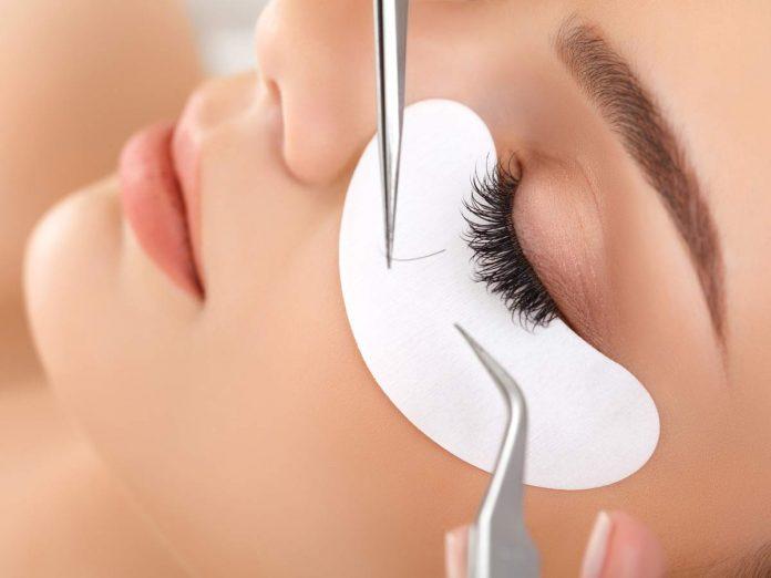 Professional Eyelashes Extensions London
